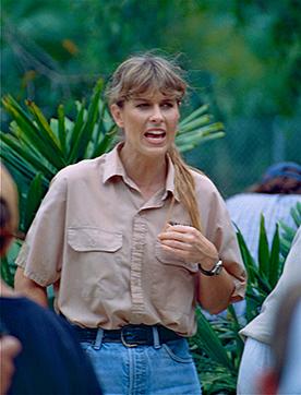 Terri Irwin speaking to a crowd of people